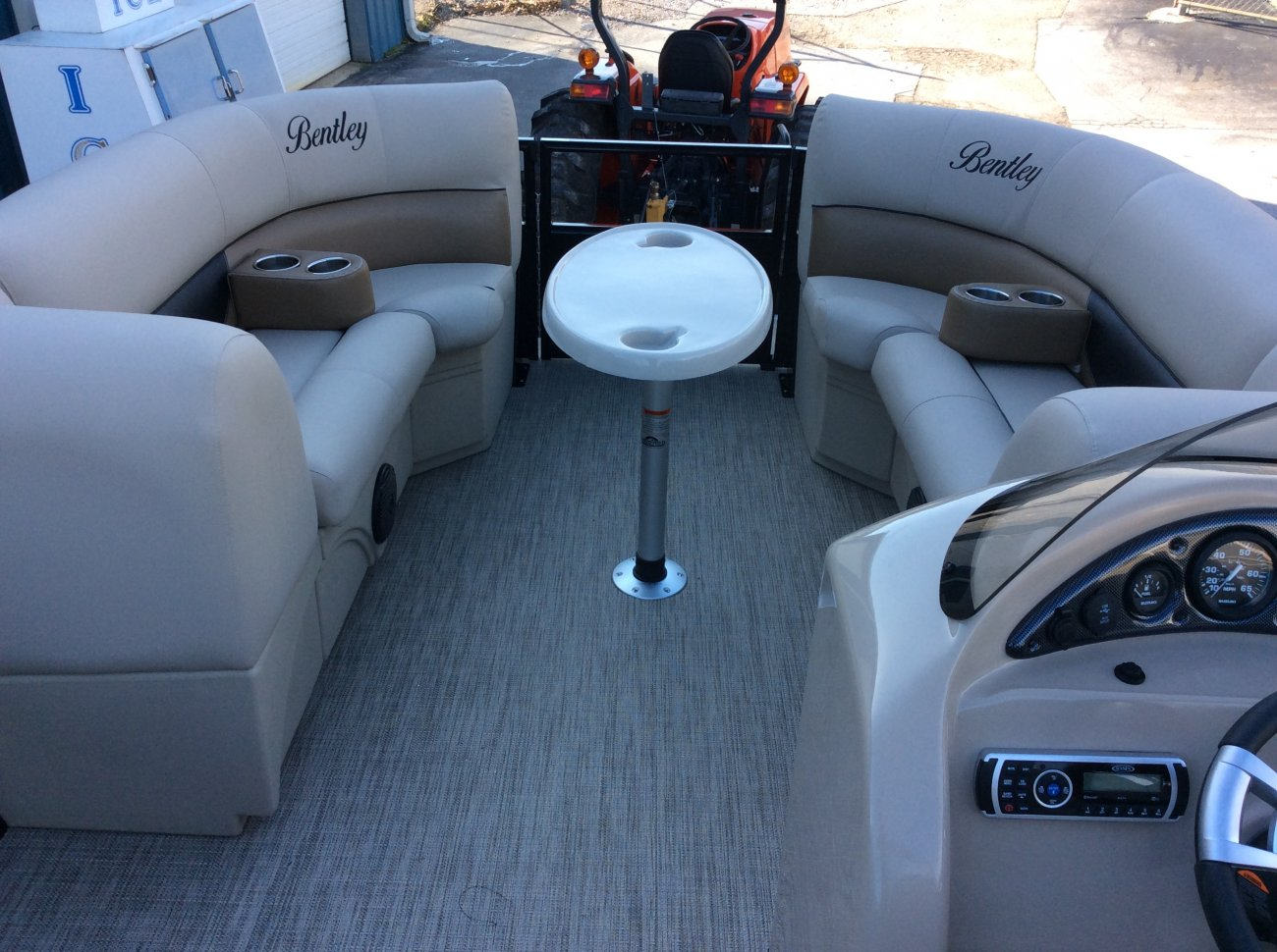 boats bentley for sale lounge rear tritoon elite